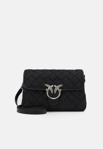 LOVE CLASSIC - Across body bag - black