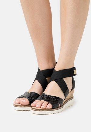 ESRA EVO - Sandalen met sleehak - black