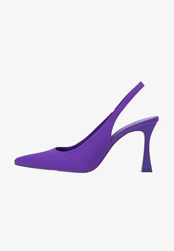 MIT OFFENER  - Decolleté - purple