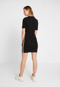 adidas Originals - TEE DRESS - Vestido de tubo - black - 2