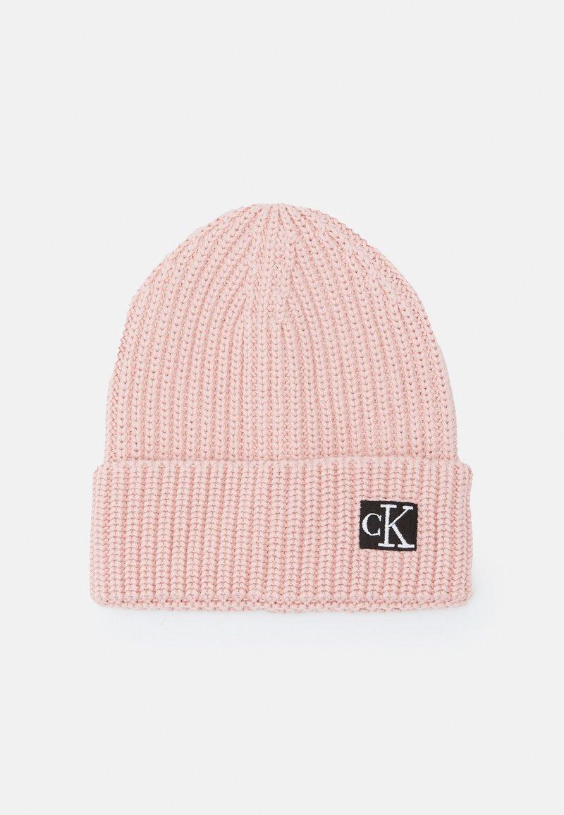 Calvin Klein Jeans - MODERN ESSENTIALS BEANIE UNISEX - Bonnet - pink
