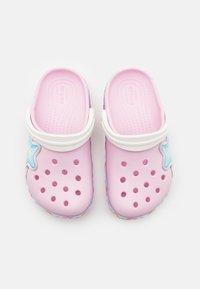 Crocs - STARBAND - Pool slides - pink - 3