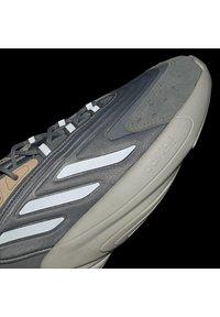 adidas Originals - OZELIA - Trainers - white - 12