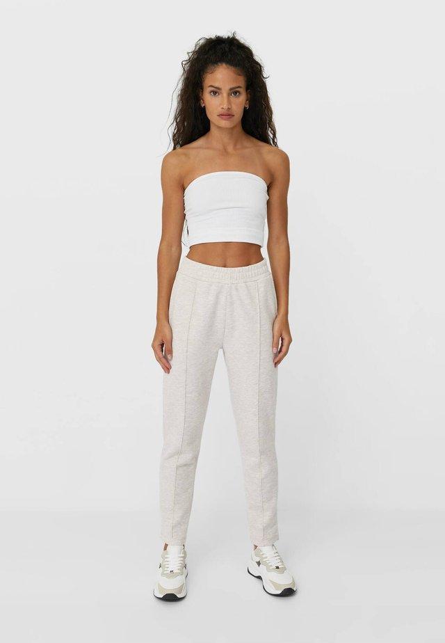 CHINO-JOGGER PANTS  - Pantaloni - grey