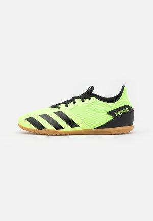 PREDATOR 20.4 FOOTBALL SHOES INDOOR - Halové fotbalové kopačky - signal green/core black