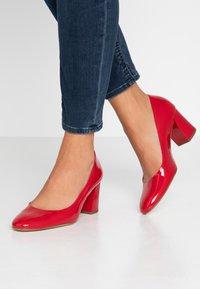 Högl - Classic heels - rot - 0