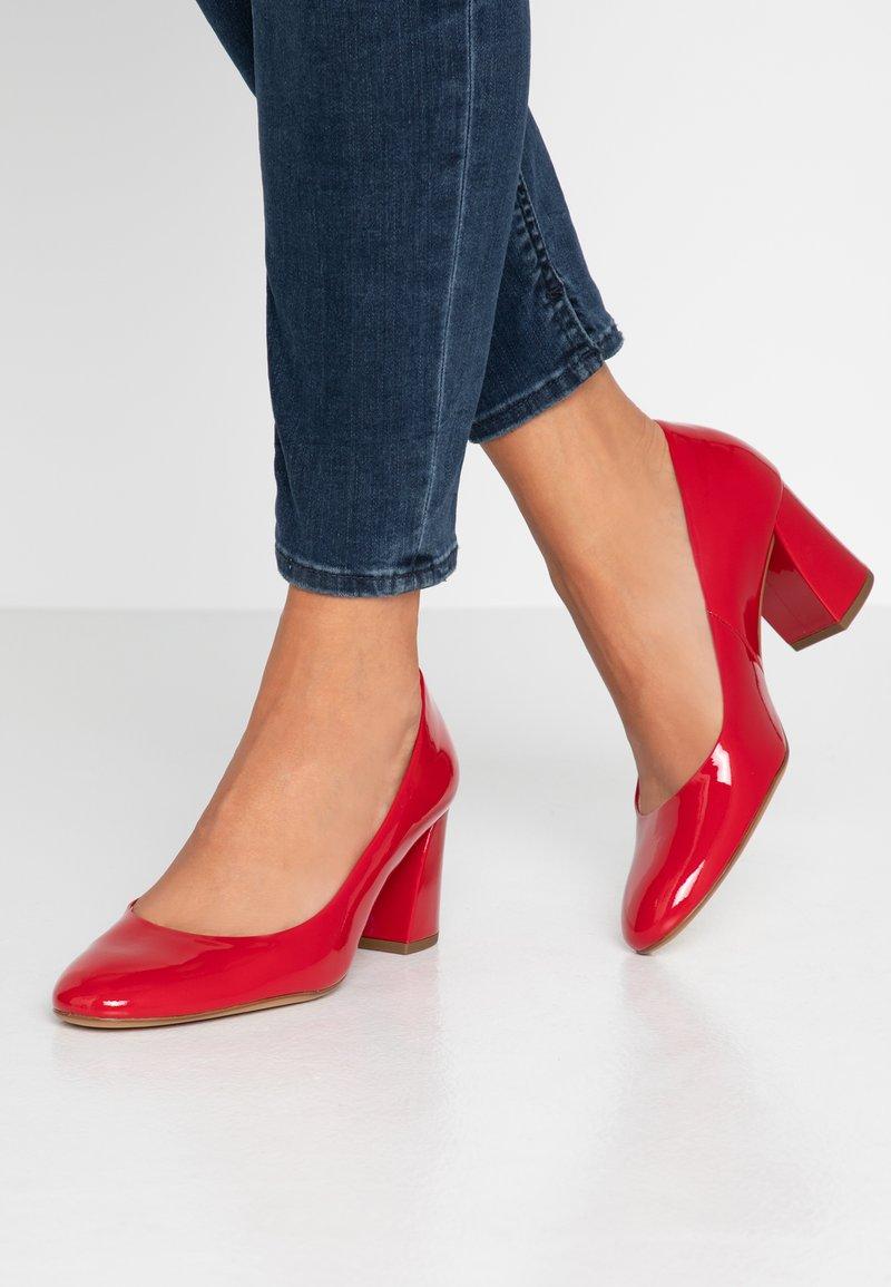 Högl - Classic heels - rot