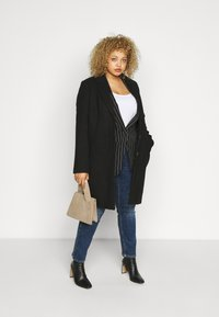 Vero Moda Curve - VMCALACINDY JACKET - Classic coat - black - 1