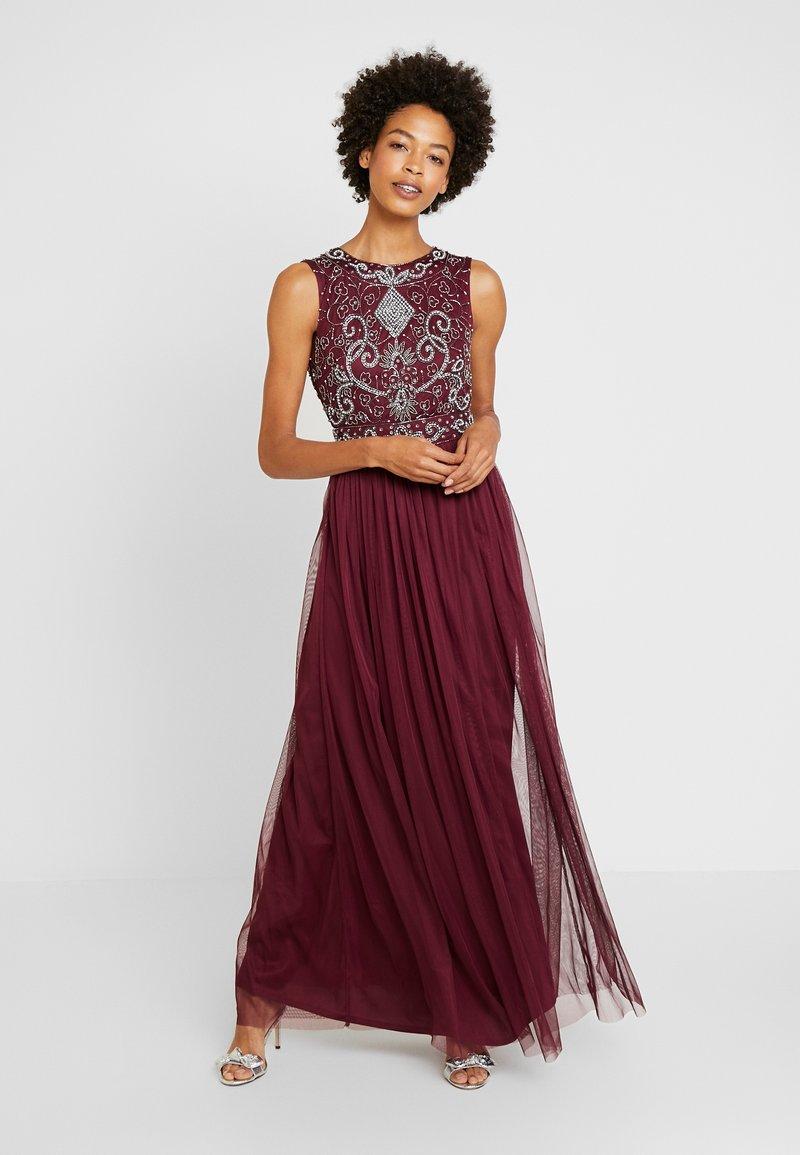 Lace & Beads - PAULA MAXI - Společenské šaty - burgundy