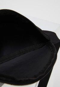 DeFacto - Bum bag - black - 3
