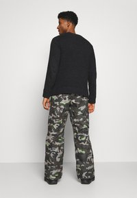 Volcom - HUNTER PANT - Snow pants - olive - 2