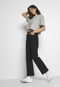 adidas Originals - LOGO TEE - Print T-shirt - grey/white - 1