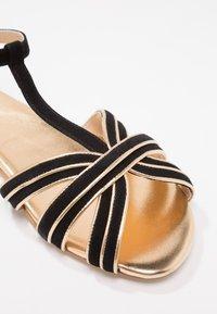 mint&berry - Sandals - black/gold - 6