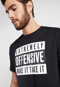 Nike Performance - TEE  - Print T-shirt - black - 3