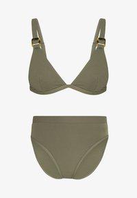 NA-KD - STRUCTURED BUCKLE DETAIL TRIANGLE - Bikiniöverdel - burnt olive - 3