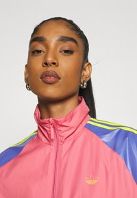 adidas Originals - TRACK - Summer jacket - hazy rose/acid yellow/joy purple - 3