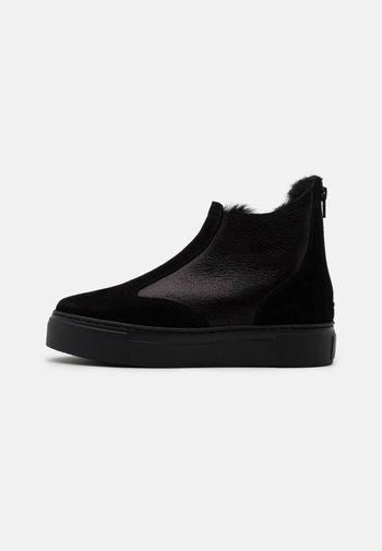 BERN - Kotníkové boty - black