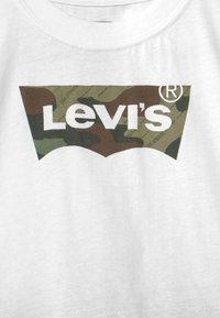 Levi's® - COLLEGIATESET - Hoodie met rits - thyme - 3