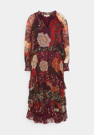 ÉMERAUDE - Denní šaty - bordeaux