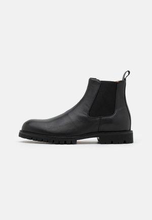 COMMANDO CHELSEA - Classic ankle boots - black