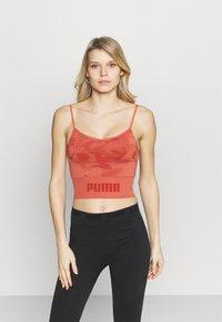 Puma - EVOKNIT SEAMLESS CROP - Sportshirt - autumn glaze - 0