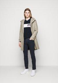 Michael Kors - SPORT AVIATOR TEE - Print T-shirt - midnight - 1
