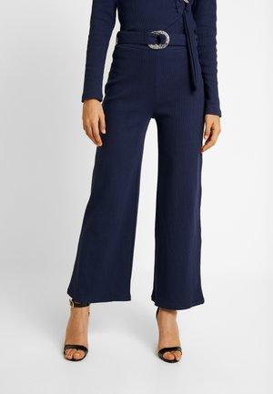 AERO TROUSER - Pantalones - navy