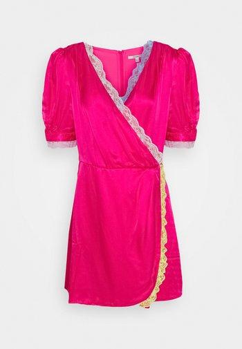 LENA DRESS - Cocktailkjole - pink