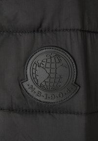 Burton Menswear London - BIG LIGHTWEIGHT PUFFER - Gewatteerde jas - black - 2