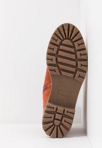 Tamaris - Šněrovací kotníkové boty - rust - 6