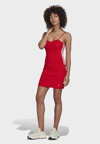 adidas Originals - Vestido ligero - vivid red - 1