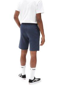 Vans - MN FREQUENCY FLEECE SHORT - Shorts - dress blues - 1