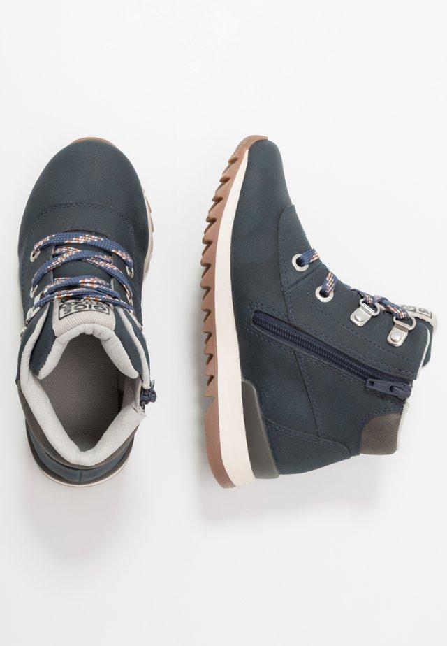 Šněrovací kotníkové boty - marino