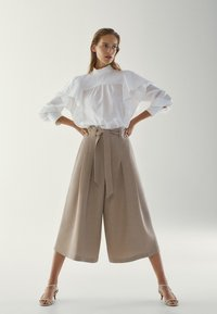 Massimo Dutti - MIT SCHLEIFE - Pantalon classique - brown - 3