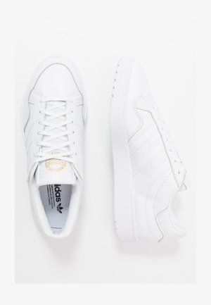 TEAM COURT - Sneaker low - ftwwht/ftwwht/cblack
