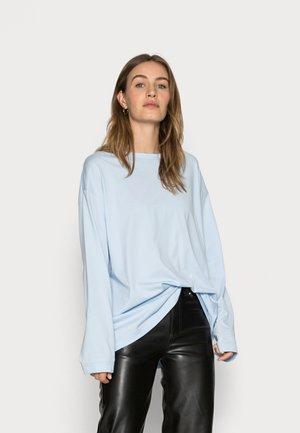 Top sdlouhým rukávem - light blue