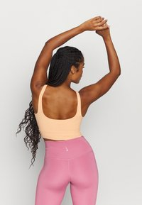 Nike Performance - YOGA LUXE CROP TANK - Camiseta de deporte - orange chalk/gelati - 2