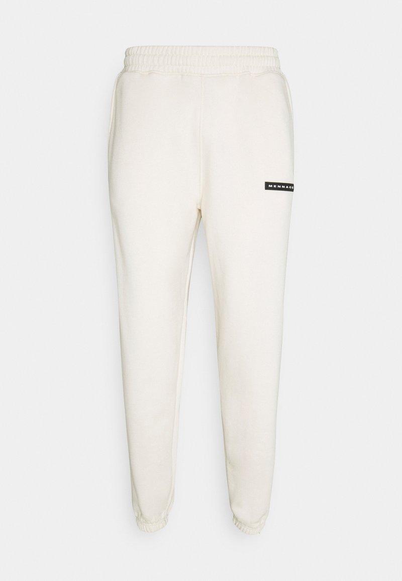 Mennace - AFTERMATH RUBBER BADGE UNISEX - Pantalon de survêtement - off white