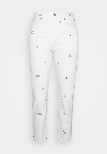 501 CROP - Džíny Slim Fit - white denim