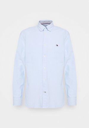 CLASSIC OXFORD - Formal shirt - calm blue