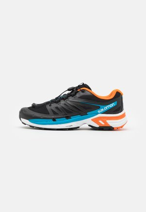 SHOES XT-WINGS 2 ADV UNISEX - Trainers - black/exuberance/transcend blue