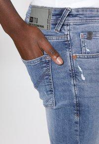 TOM TAILOR DENIM - PIERS - Jeans slim fit - bleached blue denim - 6