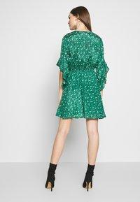 Billabong - LOVE LIGHT - Sukienka letnia - emerald - 2