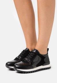 Tata Italia - Zapatillas - black - 0