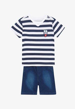 POLO SHORTS BABY SET  - Denim shorts - white/blue stripe