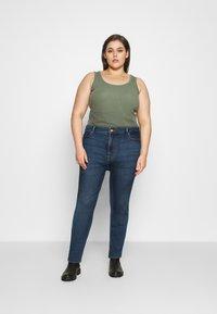 Pieces Curve - PCLILI - Slim fit jeans - medium blue denim - 1