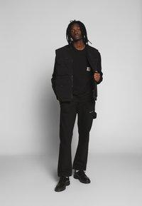 Carhartt WIP - POCKET - Sweatshirt - black - 1