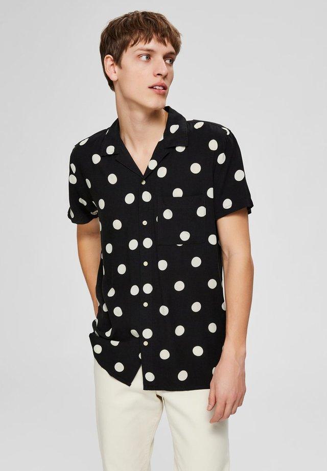 KURZARMHEMD REGULAR FIT CUBAN KRAGEN - Camisa - black
