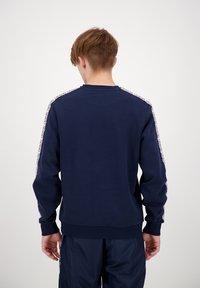 sergio tacchini - BUTCH CREW  - Sweatshirt - nvy/wht - 2