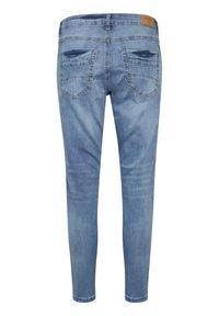 Cream - CRHOLLY - Slim fit jeans - light blue denim - 6